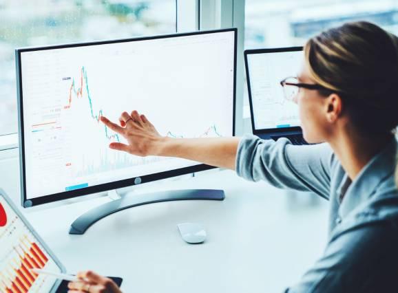 Услуги за фирми от счетоводители